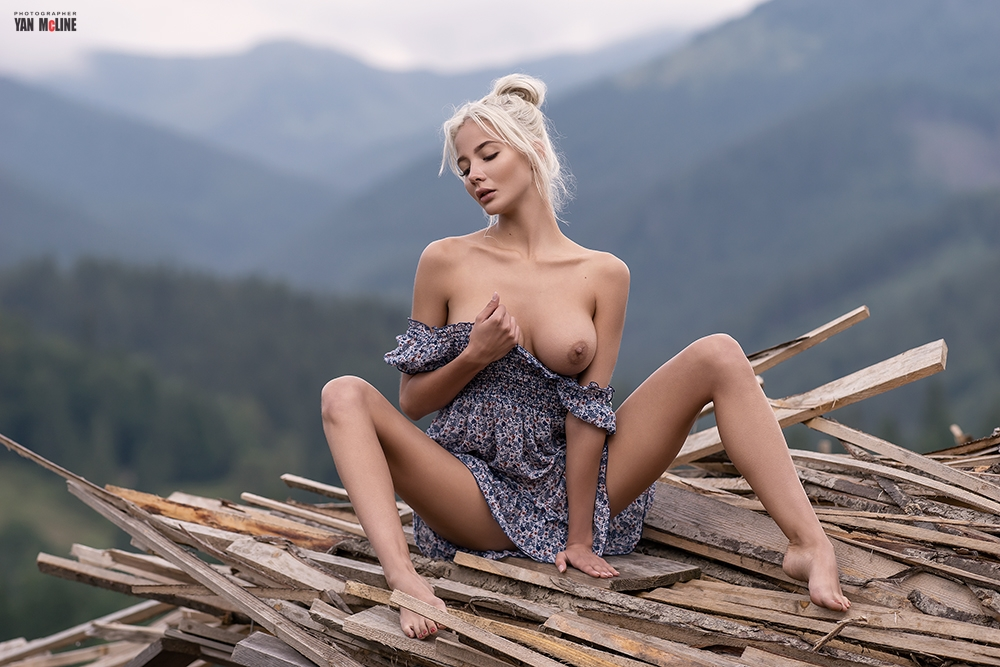 Nude Outdoors by Yan Mcline